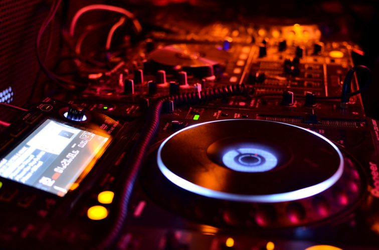 Digital Music Production: The Relevance Of Specifying Your Sonic Identity